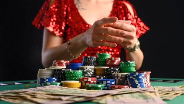 Chơi Poker trực tuyến hoặc Vidео Poker Bạn có nhiều lựa chọn để chơi